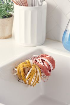 Does it Work? We Tested These Soap-Free Spaghetti Scrubber Sponges