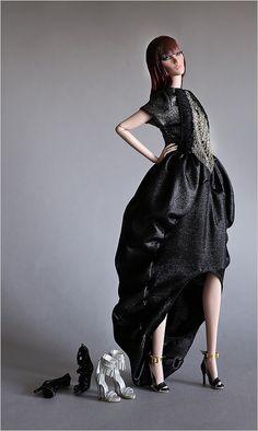 Montaigne Market Doll / Elise Jolie