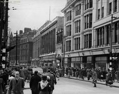 Down the Decades: See how streets in Manchester's Northern Quarter have changed over the years - Manchester Evening News I Love Manchester, Manchester Street, Manchester England, Manchester Northern Quarter, Old M, Salford, Cool Cafe, Old Photos, Over The Years