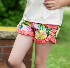 Hey, I found this really awesome Etsy listing at https://www.etsy.com/listing/465861088/tammys-tulip-and-ruffle-reversible