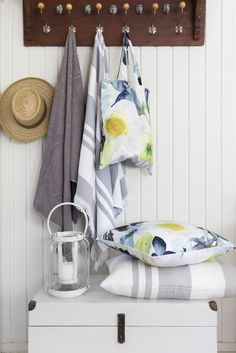 Kesäniitty Coated Fabric Bag   Pentik Summer 2018   Designed by Lasse Kovanen, Kesäniitty (Summer Meadow) pattern charms with wild meadow flowers and butterflies. Its fresh colours and light watercolour-like look bring plenty of beauty to your summer home.