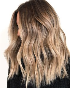 20 tolle Balayage und Ombre Haare – – The Effective Pictures We Offer You About Ombre Hair weave A quality picture can tell you many things. You can find the most beautiful pictures that can be presented to you about green Ombre Hair in this[. Cool Brown Hair, Brown Blonde Hair, Light Brunette Hair, Blonde Hair To Light Brown, Blonde Hair For Winter, Brown Hair With Ombre, Dyed Hair Brown, Dying Hair Blonde, Summer Brown Hair