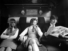 """Pattie Boyd fou Jean, una col·legiala rossa al tren, Prudence Bury, Rita, una colegiala morena i John Lennon, Himself a """"A Hard Day's Night"""" ('Qué noche la de aquel dia' a Espanya),  la primera pel·lícula del grup The Beatles, una comèdia britànica escrita per Alun Owen en plena esplendor de la Beatlemania. El director va ser Richard Lester, el productor Walter Shenson i el director de fotografia Gilbert Taylor."""