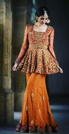 Brides cousin/ friends Mehndi or barat outfit inspo Pakistani Formal Dresses, Pakistani Wedding Outfits, Pakistani Bridal Wear, Indian Dresses, Shadi Dresses, Pakistani Clothing, Bridal Lehenga, Party Wear Dresses, Bridal Dresses