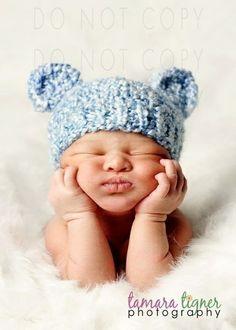 KNITTING PATTERN Baby Bear Hat.