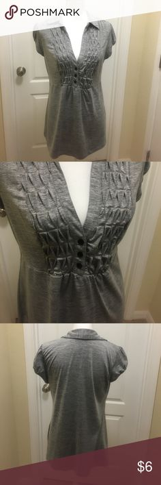 Gorgeous top Black/gray with nice design in the front. Can be dressed up or down Tops Blouses
