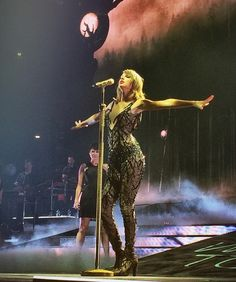 Out of The Woods - 1989 Tour Cologne Night 2