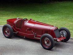 Crazy Italians… 😎❤️. Maserati 8C 2800 1931 via Gentlemen Driver facebook page. 👍