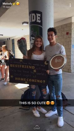 Cute and Fun Formal / Prom Couple Picture Niedliches und lustiges formales / Abschlussball-Paar-Bild – MeinesTube – Cute Homecoming Proposals, Formal Proposals, Homecoming Signs, Homecoming Ideas, Homecoming Posters, Homecoming Dresses, Greys Anatomy, Dance Proposal, Proposal Ideas