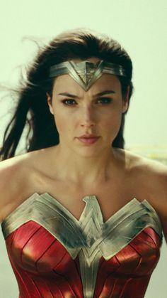 Wonder Woman Pictures, Wonder Woman Art, Gal Gadot Wonder Woman, Wonder Woman Movie, In Cinemas Now, Wander Woman, Dc Characters, Dc Heroes, Celebs
