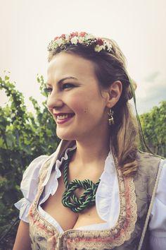 """Time for a #Dirndl and the Queen #cordnecklace from #APreciouZ.  Im Spätsommer wird im ganzen Lande wieder die #Tracht ausgepackt. Mit dabei ist unsere schöne #Kordelkette """"The Queen"""". Fashion blogger SteirerblutundHimbeersaft zeigt Ihren Look für die Wiener #Wiesn. #Landliebe #Dirndlschmuck #Trachtenschmuck"""