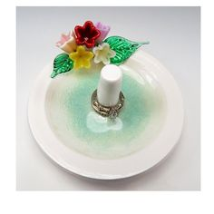 Glass flower bouquet ring holder, lovely!