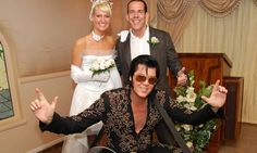 Couple getting married in las Vegas by Elvis. Try POF Las Vegas and maybe you can find the love of your life. Thousands of relationships are created each year on Plenty Of Fish Married In Vegas, Got Married, Getting Married, Las Vegas Wedding Packages, Las Vegas Weddings, Elvis Wedding, Wedding Officiant Script, Wedding Reception Chairs, Inexpensive Wedding Invitations