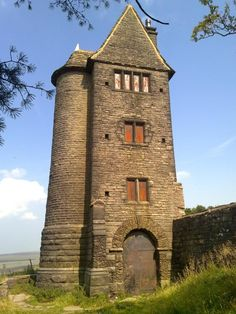 Lever Park in the village of Rivington, Lancashire, England. What a scary but majestic looking building. Old Buildings, Abandoned Buildings, Abandoned Places, Abandoned Castles, Abandoned Mansions, Scary Places, Places To Go, Haunted Places, Small Castles