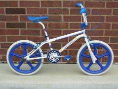 Mongoose Index Freestyle Bike - Silver Bicycle Wheel, Bmx Bicycle, Cycling Bikes, Bmx 16, Skyway Bmx, Bmx Scooter, Gt Bikes, Vintage Bmx Bikes, Bmx Cruiser