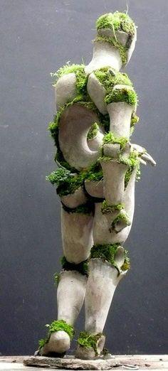 Robert Cannon Garden sculpture - - pieces are hand-built of sturdy ferro cement shells, earth, and plants Sculpture Art, Garden Sculpture, Sculpture Images, Ceramic Sculptures, Land Art, Art Plastique, Garden Art, Garden Ideas, Installation Art