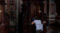 """Papa Francisco concede que todos los sacerdotes puedan absolver el pecado del aborto 21/11/2016 - 06:22 am .- En la Carta Apostólica """"Misericordia et misera"""", el Papa Francisco concede a todos los sacerdotes la facultad de absolver el pecado del aborto de manera indefinida, un permiso que había concedido solo durante el Año Jubilar que concluyó ayer."""