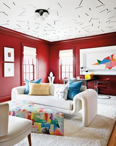 Proof That Maximalist Decor Is Back—With an Unexpected Twist Living Room Seating, Living Room Decor, Living Rooms, Apartment Living, Home Interior, Interior Design, Cosy Home, Red Rooms, Red Walls