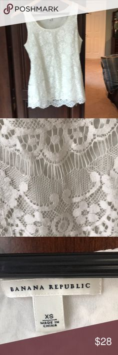 Banana Republic Lace Tank XS. Offwhite Beautiful and rarely worn. Banana Republic Tops Tank Tops