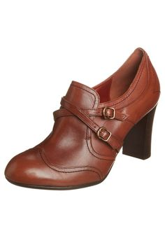 Sophisticated grandma shoes for ever!