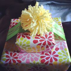 """Fun idea for party favors. gift wrap gift wrapping ideas Another pinner says, """"I've made these several times & it's always a h. Candy Cakes, Gift Wrapping, Wrapping Ideas, Party Favors, Wraps, Packaging, Bows, Diy Crafts, Fun"""