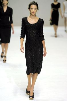 Dolce & Gabbana Spring 2011 Ready-to-Wear Collection Photos - Vogue