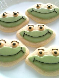 Shop for cookies on Etsy, the place to express your creativity through the buying and selling of handmade and vintage goods. Frog Cookies, Sugar Cookies, Best Cookies Ever, Nom Nom, Sweet Tooth, Noblesville Indiana, Baking, Cake, Desserts