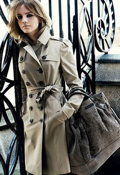 burberry trench.//classic.