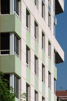 Fachada de edificio hecho con hormig n in situ color - Fachada hormigon in situ ...
