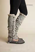 crochet leg warmers- pretty sure I have seen this pattern elsewhere..