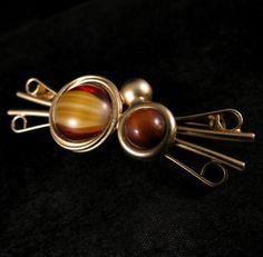 DINA-PANAGOPOULOS-Signed-Brooch-Gold-Tone-Tiger-Eye-Cabochon-Pin