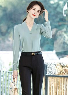 Korean Casual Outfits, Stylish Work Outfits, Classy Outfits, Pretty Outfits, Suit Fashion, Work Fashion, Fashion Outfits, Bad Girl Outfits, Fancy Dress Design