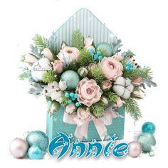 Miniature Christmas Trees, Christmas Tree With Gifts, Christmas Flowers, Christmas Crafts, Flower Box Gift, Flower Boxes, Flower Cards, Christmas Arrangements, Christmas Centerpieces