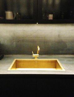 Brass Sink : Brass sink More