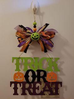 Quick Halloween Crafts, Dollar Tree Halloween Decor, Homemade Halloween Decorations, Rustic Halloween, Halloween Scene, Halloween Wreaths, Halloween Boo, Halloween Coloring, Halloween Projects