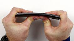 Bentgate: iPhone 6 Plus verbiegen leicht gemacht (Video)  - https://apfeleimer.de/2014/09/bentgate-iphone-6-plus-verbiegen-leicht-gemacht-video - iPhone 6 Plus Bentgate Teil 2. Die Empörungswelle zu den verbogenen iPhone 6 Plus durch Tragen in der Hosentasche nimmt Fahrt auf. Nach unserem ersten Bentgate-Bericht zum verbogenen iPhone 6 stürzen sich natürlich die kleinen und großen Medien auf dieses neue Apple Gate. In Youtube sind bereits ...