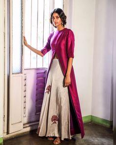 We can't wait to wear the elegant eveningwear. Kurti Neck Designs, Lehenga Designs, Blouse Designs, Indian Dresses, Indian Outfits, Bridal Mehndi Dresses, Pernia Pop Up Shop, Beautiful Saree, Indian Designer Wear