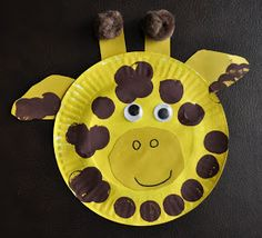 I HEART CRAFTY THINGS: Paper Plate Giraffe-here's a fun activity for Giraffes Can't Dance by Giles Andreae, illustrated by Guy Parker Rees, Hachette books. Find our 100 stories before school Facebook page at http://www.facebook.com/100storiesbeforeschool