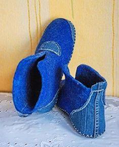 modelagem costura artesanato moda costura costura costura shitilineshit shitetokayf costura моделирование - Her Crochet Sewing Slippers, Felted Slippers, Crochet Shoes, Crochet Slippers, Homemade Shoes, Felt Boots, Denim Crafts, Denim Shoes, Recycle Jeans