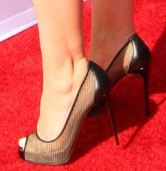 Christina Aguilera in Christian Louboutin pumps