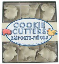 Fox Run Animal Mini Cookie Cutter Set is good for a number of holidays. Mini turkey and mini owl cutters for fall. Animal Cookie Cutters, Mini Cookie Cutters, Mini Cookies, Cut Out Cookies, Yummy Cookies, Baking Cookies, Natural Toys, Baking Accessories, Animal Crackers