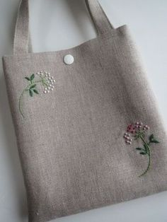 Supreme Best Stitches In Embroidery Ideas. Spectacular Best Stitches In Embroidery Ideas. Floral Embroidery Patterns, Embroidery Bags, Hand Embroidery Stitches, Hand Embroidery Designs, Jute Bags, Quilted Bag, Fabric Bags, Cloth Bags, Handmade Bags