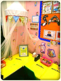 Writing area Abc Does, Reception Class, Writing Area, Fun Math Activities, Book Corners, Eyfs, Mark Making, Phonics, Literacy