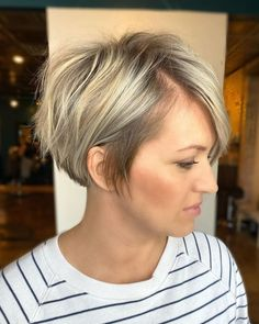 2020 Hair Trends For Women pictures and tips today will be shared with you. You 2020 Hair Trends Hair Pictures shared Tips Today Trends women Haircuts For Thin Fine Hair, Short Thin Hair, Bob Hairstyles For Fine Hair, Short Hair With Layers, Short Hair Cuts For Women, Short Hairstyles For Women, Natural Hairstyles, Blonde Short Hairstyles, Short Fine Hair Cuts