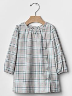Details about GAP Baby / Toddler Girl Size Months Gray, Green & Pink Plaid Flannel Dress - Diaper Change Cute Overall Outfits, Plus Size Outfits, Frock Design, Dresses Kids Girl, Girl Outfits, Fashion Outfits, Cotton Tops For Jeans, Stylish Dresses, Stylish Outfits