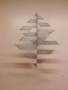 Luiz Sacilotto - Concreção 60.43 , 1960 - alumínio