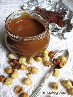 COOKING JULIA : PÂTE À TARTINER CHOCO-NOISETTES, LA MEILLEURE !