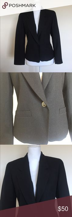 EUC Pendleton Virgin Wool Blazer Excellent used condition (EUC), with no signs of stains or flaws. Women's size 4 petite. Blazer contains pure virgin wool and made in the United States 🇺🇸. Jacket is  SO classy and chic but you don't have to skimp on warmth because this jacket will keep you warm as well. Pet free/ smoke free home. Pendleton Jackets & Coats Blazers