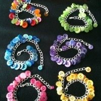Items similar to Button Charm Bracelet on Etsy – Schmuck Diy Arts And Crafts, Bead Crafts, Jewelry Crafts, Diy Buttons, Vintage Buttons, Button Art, Button Crafts, Beaded Jewelry, Handmade Jewelry
