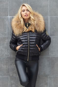 Style and practicality combined, the Short Padded Bomber Jacket is the ultimate must have this Autumn/Winter. This chic bomber style padded coat has been specif Fur Collar Coat, Fur Collars, Nylons, Best Winter Coats, Puffy Jacket, Black Bomber Jacket, Winter Jackets Women, Down Coat, Types Of Sleeves